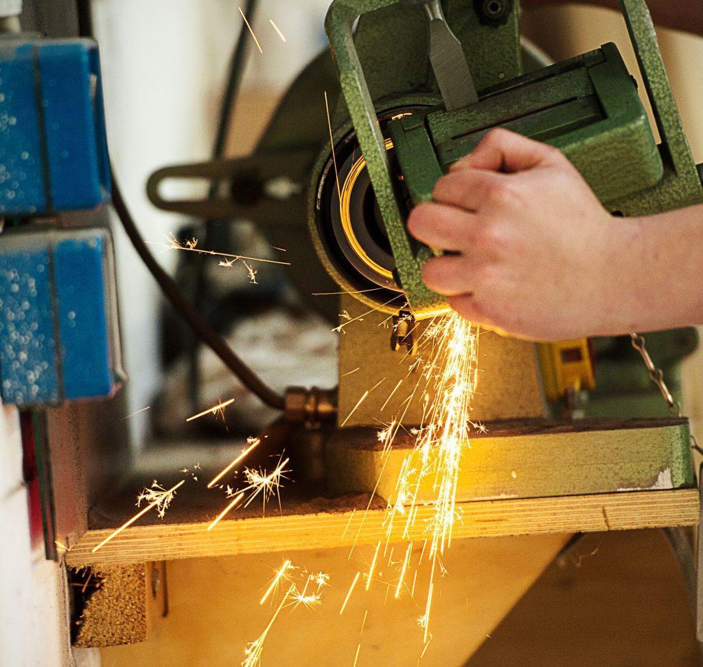 Althoff Funken bei Metallarbeiten
