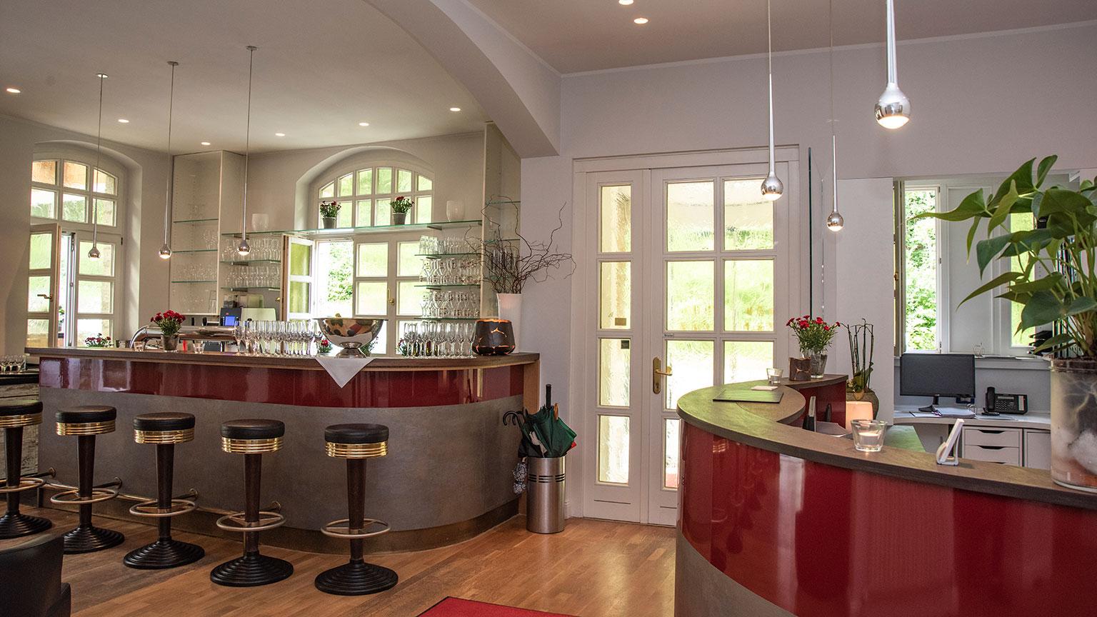 Bielefelder Berghotel Rezeption und Bar
