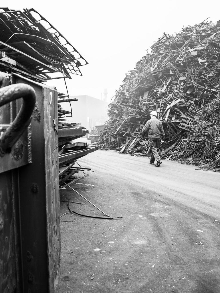 k+d Metallschrott Mitarbeiter Fotografie