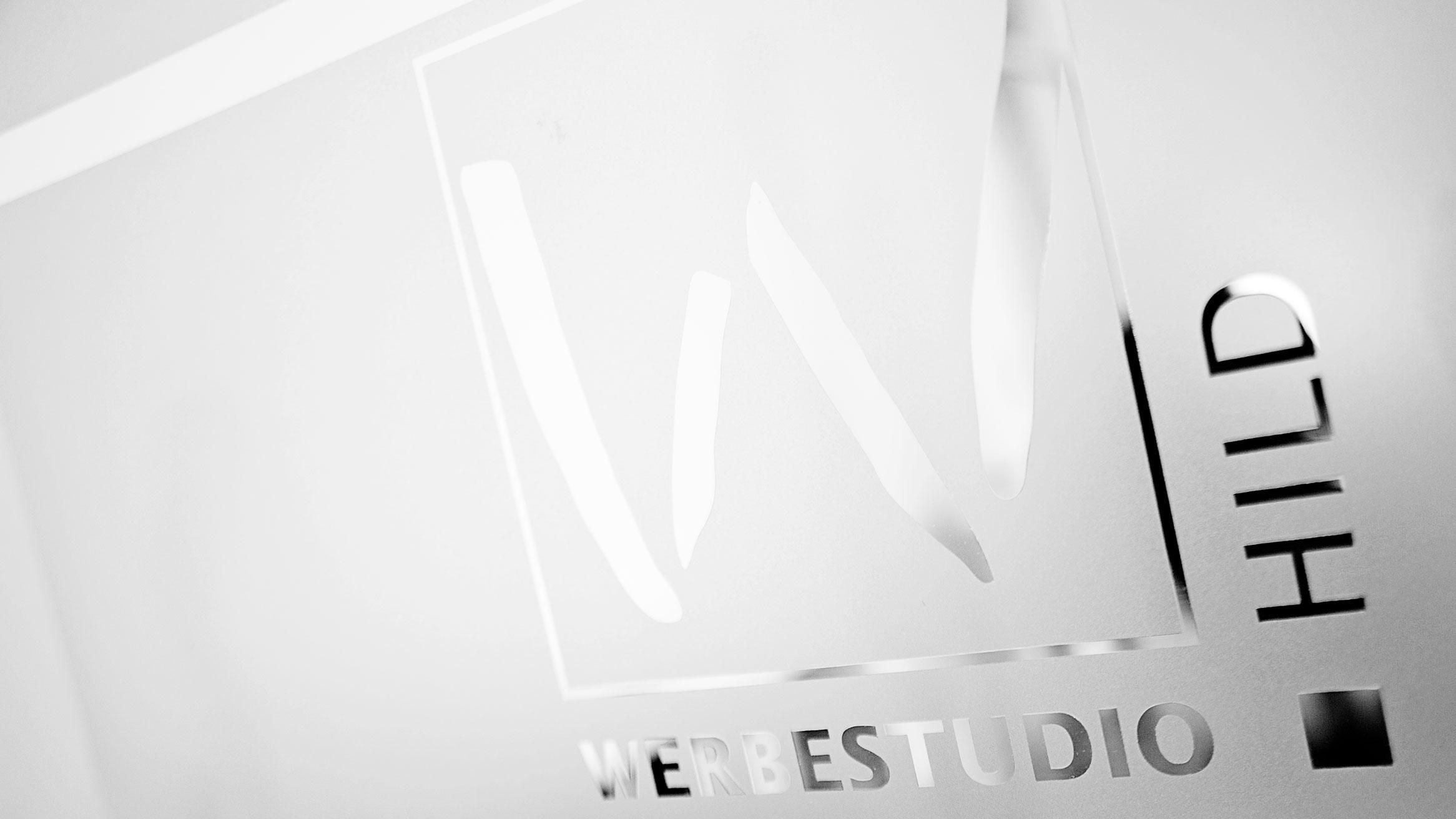 Glasgestaltung Werbestudio Hild